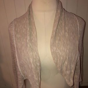 Issi small cardigan with beautiful crochet back